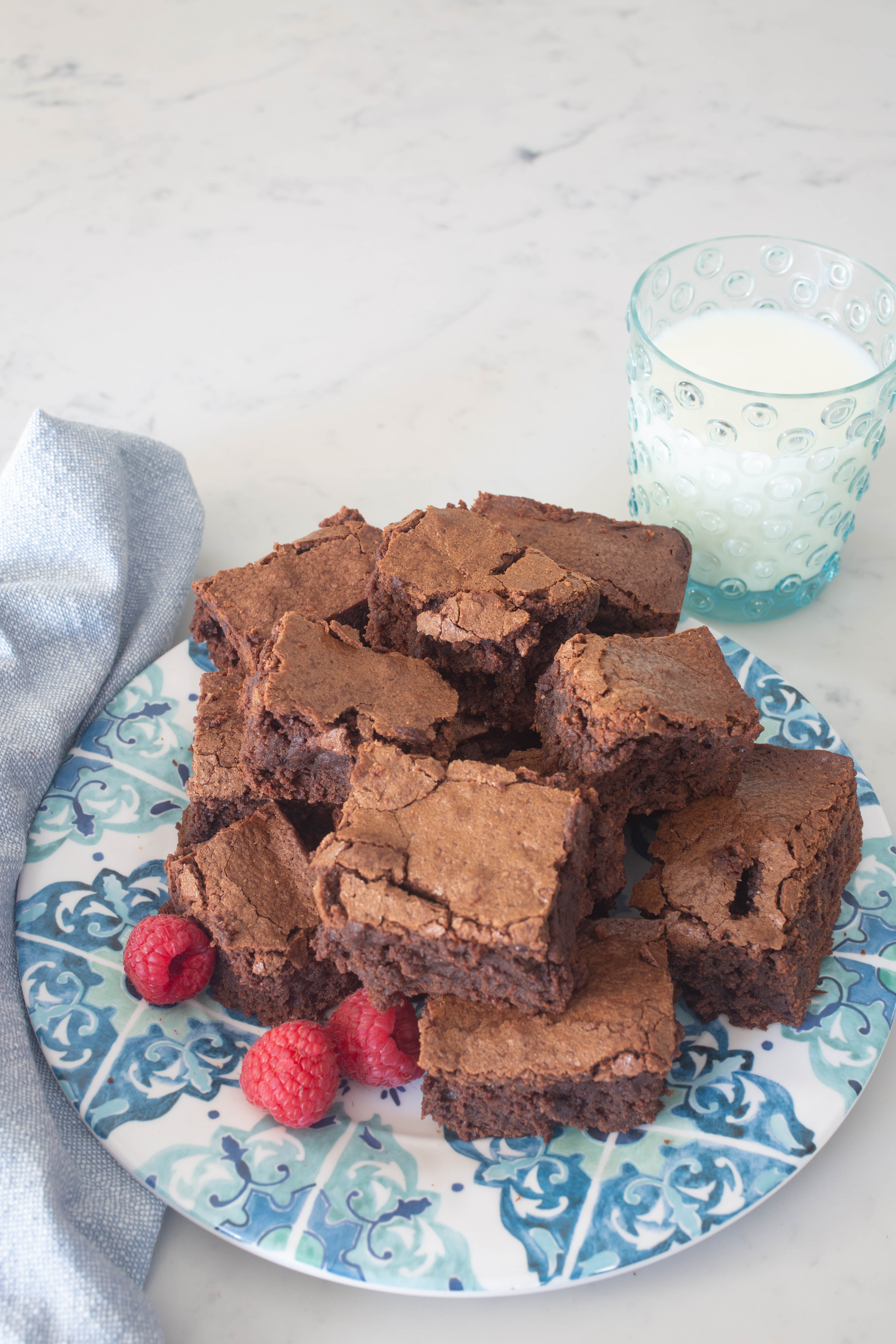 Easy Brownies from Scratch - Best Brownies from Scratch - How to Make Brownies for Beginners - Brownie Recipe with Cocoa Powder - Chocolate Chip Brownies - Homemade Brownies from Scratch - How to Make Brownies from Scratch - Disgustingly Rich Brownies