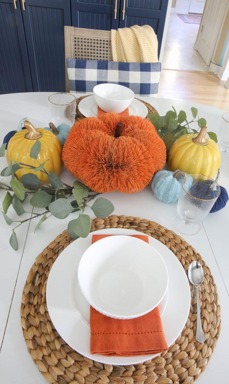 Simple + Easy Fall Tablescape Ideas